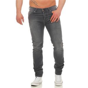 DIESEL Tepphar 0662U Slim Carrot Jeans