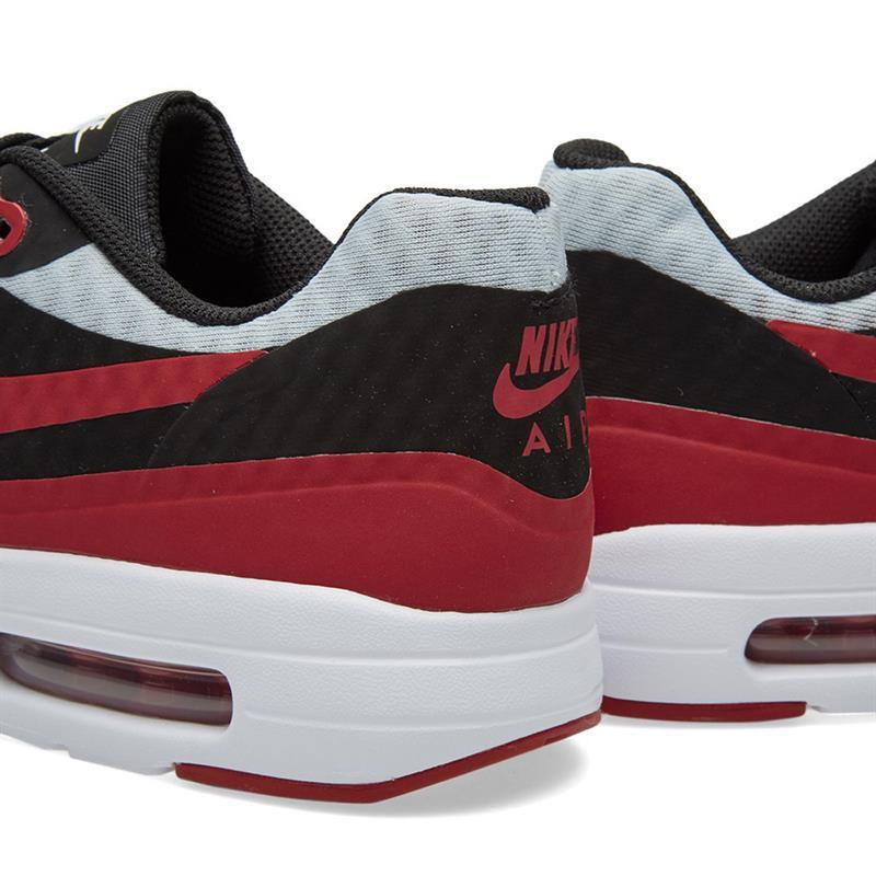 Nike Air Max 1 Ultra Essential Sneaker